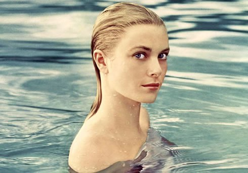 Grace Kelly bathing